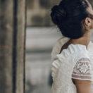 Pêle-Mêle cheveux attachés pour un mariage