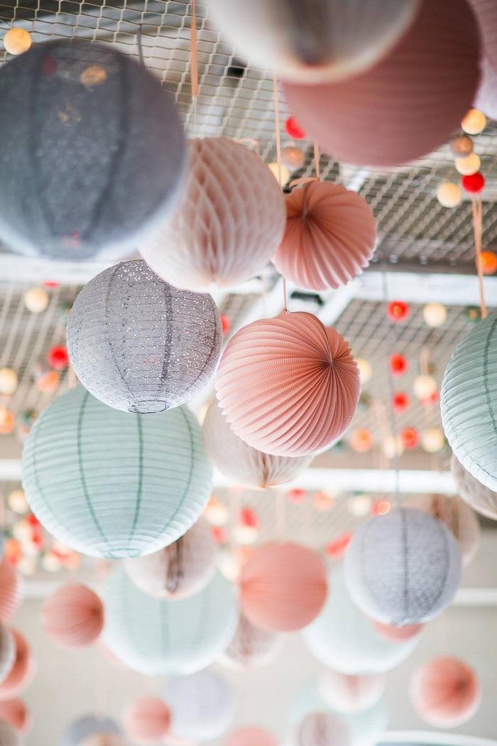 Ciel lanterne lampion mariage pêche gris vert pastel
