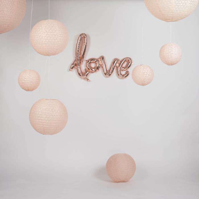 photobooth mariage ballon love lanterne ajourée rose vintage