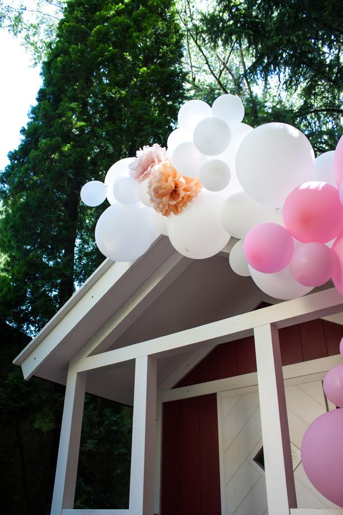 guirlande ballons pompons rose pêche déco fête fille