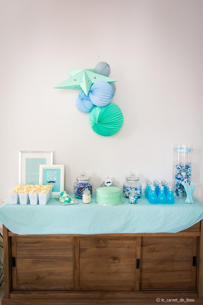 Déco table babyshower garcon bleu et vert
