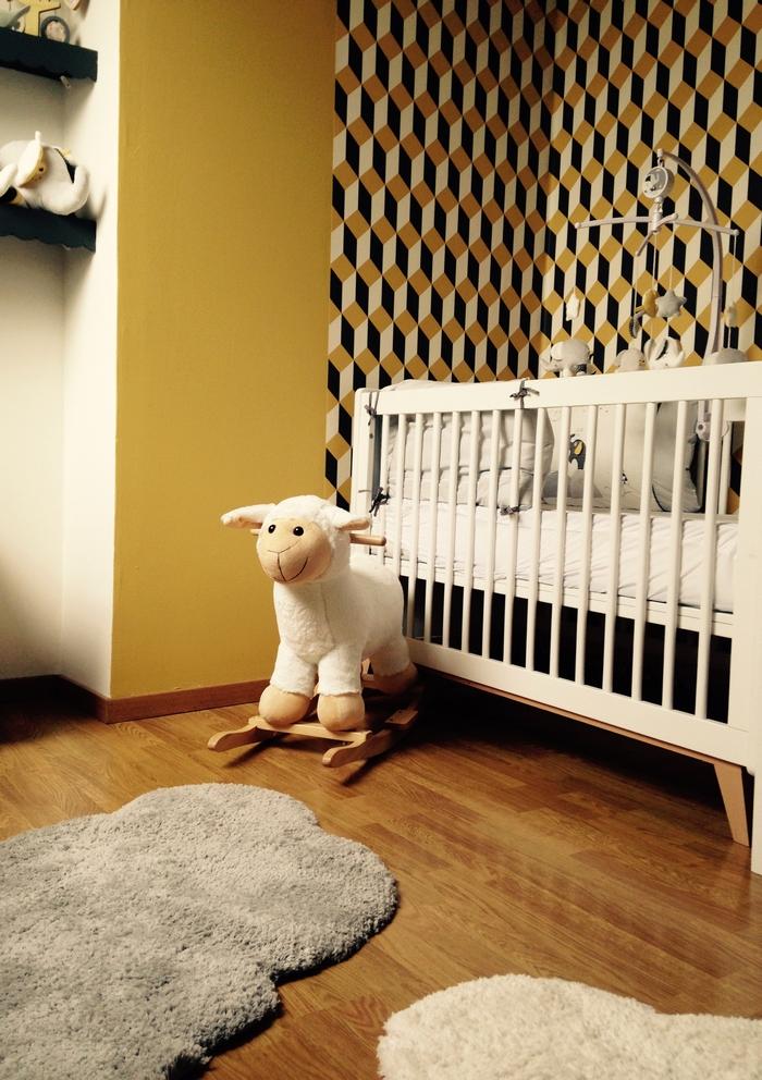 Déco chambre tapisserie graphique jaune gris