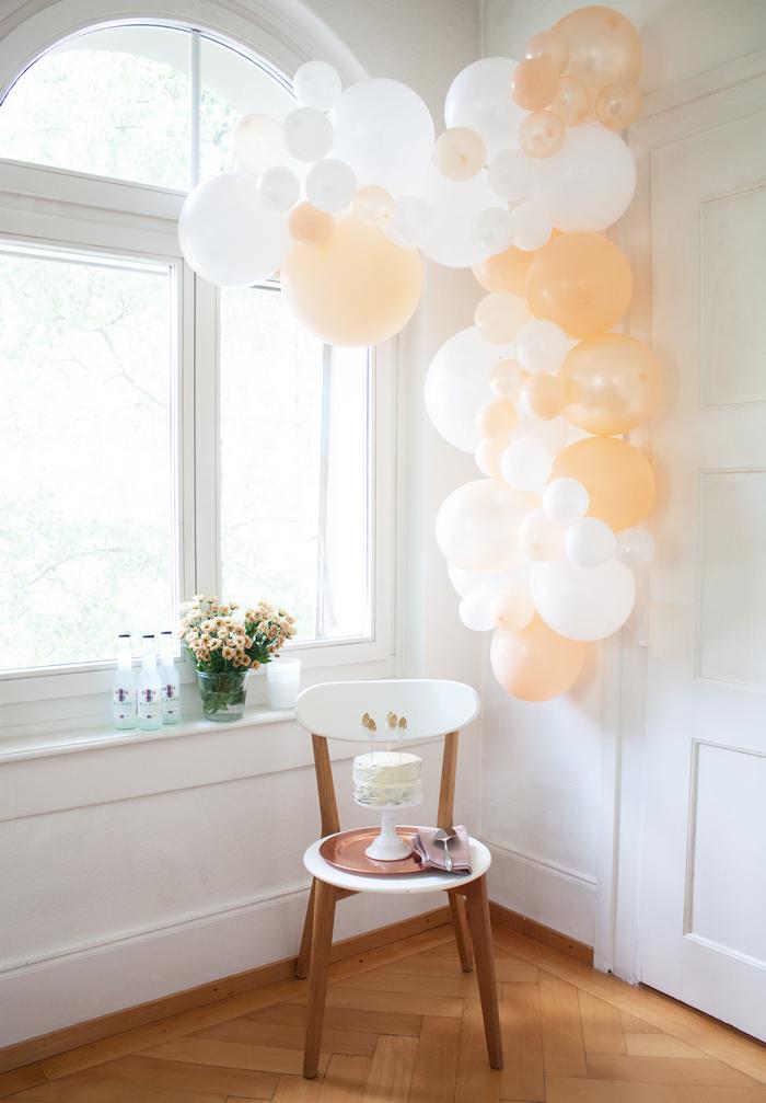 kit guirlande de ballons pêche peach blanc déco fête anniversaire