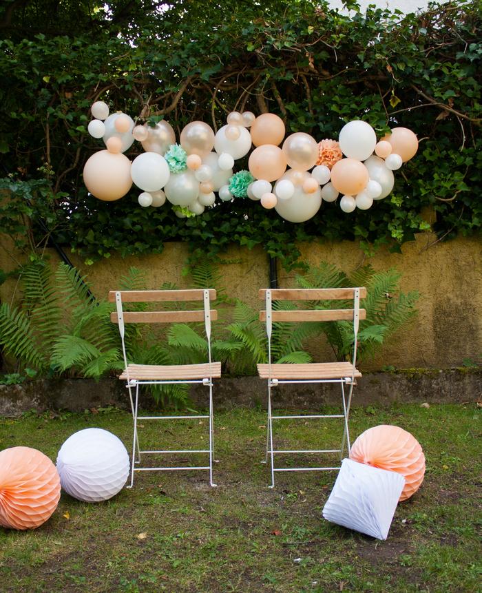 Kit guirlande ballons pêche blanc vert mint déco mariage photobooth cérémonie