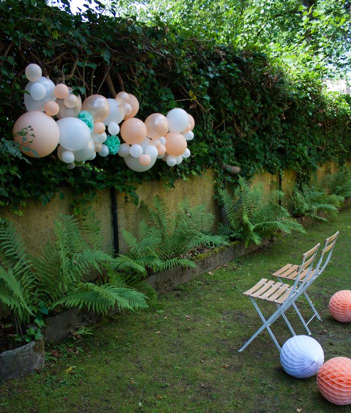Kit guirlande ballons pêche blanc vert mint déco fête photobooth