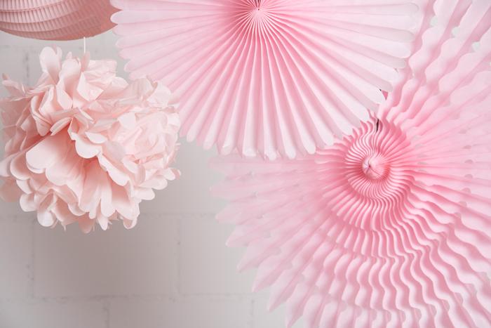 décorations de fête en rose