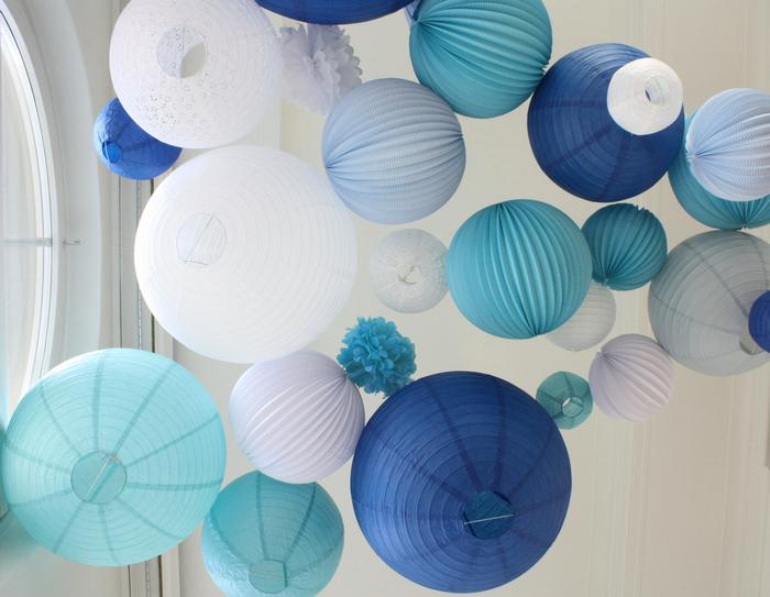 Décoration mariage ciel lanternes en papier bleu