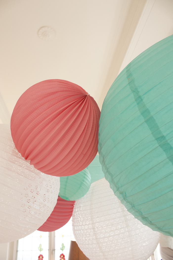 boules papier rose et turquoise