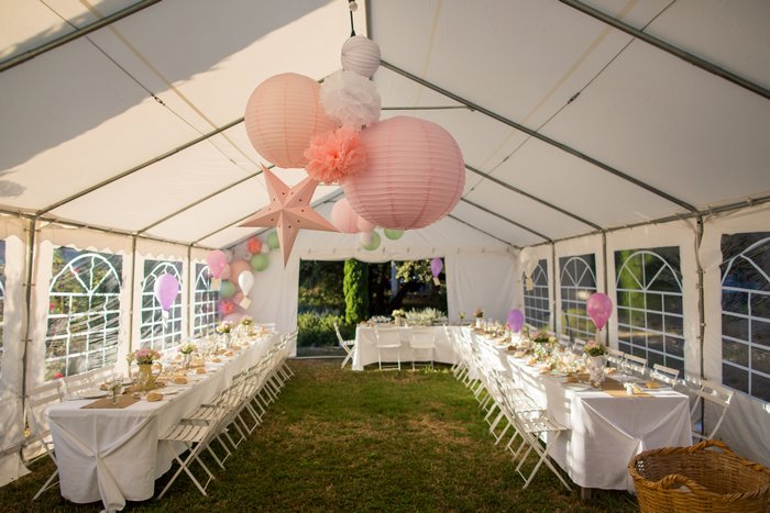 conseil sur les formes : Décor tente de mariage lanterne et étoile rose et blanc