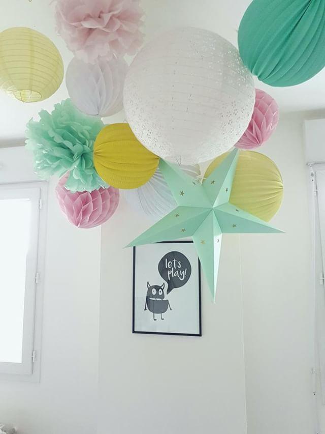 déco salle de jeux nuage lanterne papier pastel