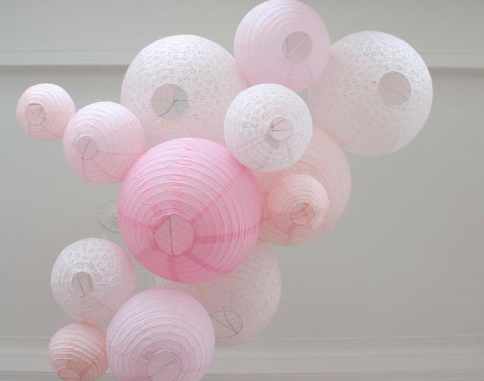 Ciel lanterne rose pastel pour une décoration de mariage