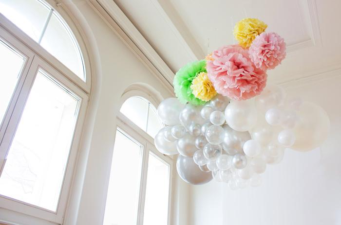 Décor de pâques, décoration fête ou mariage, guirlande ballon et pompon pastel