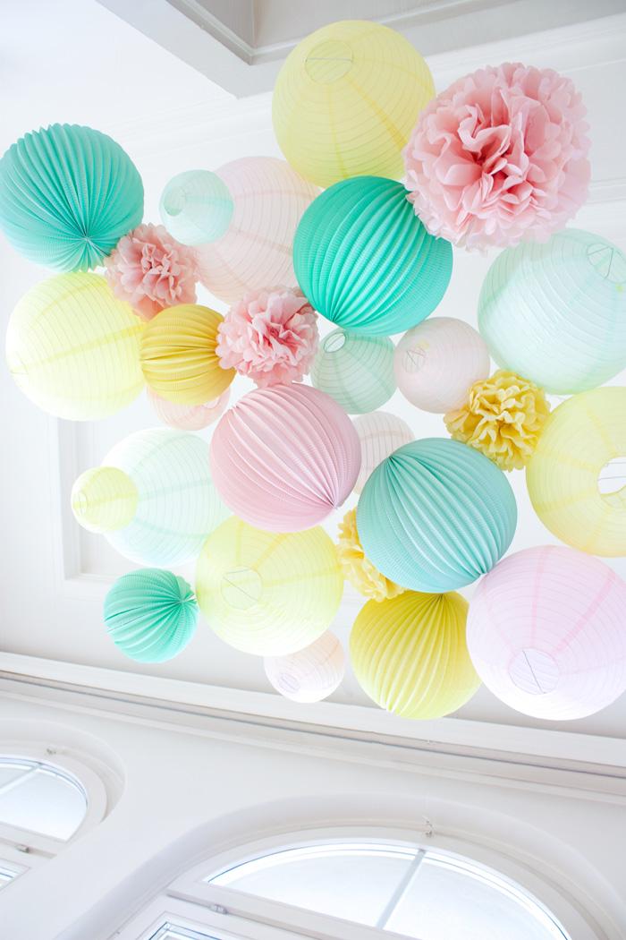 Décor de fête en pastel mariage, décoration jaune, rose et menthe pastel
