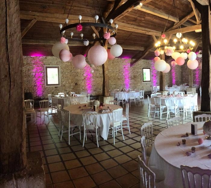 mariage rose et blanc rustique chic, idée de décoration