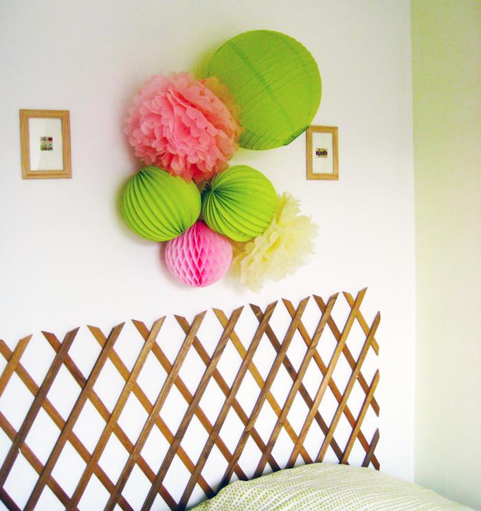 tête de lit vert et rose pour une chambre d'enfant ou d'adolescent