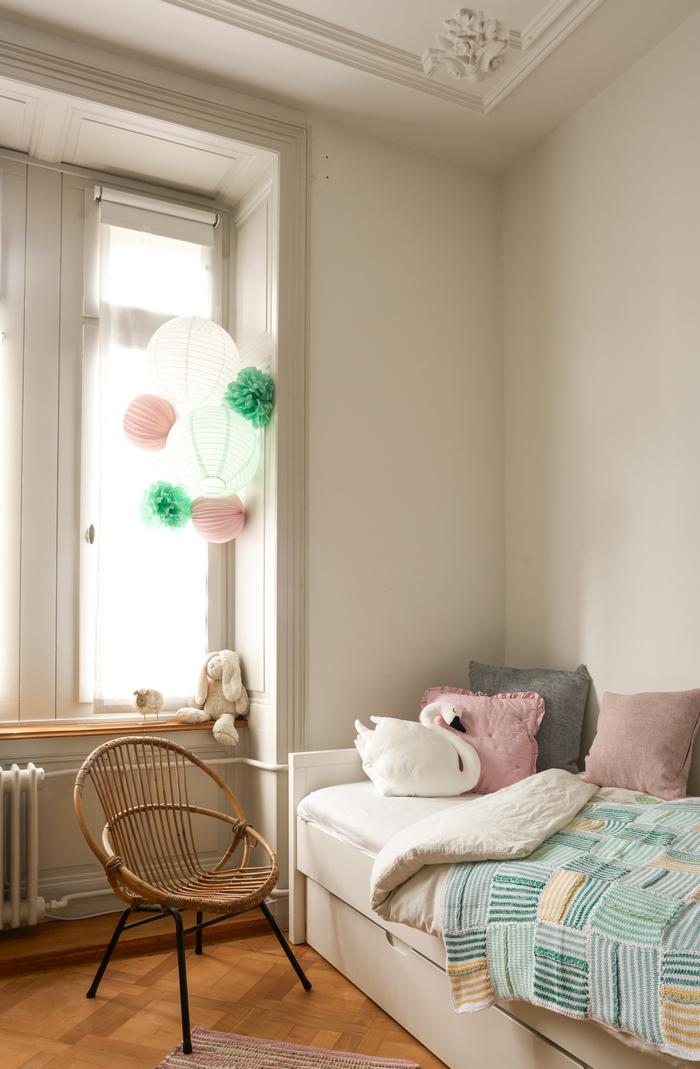 Décoration mint et rose pour une chambre de petite fille