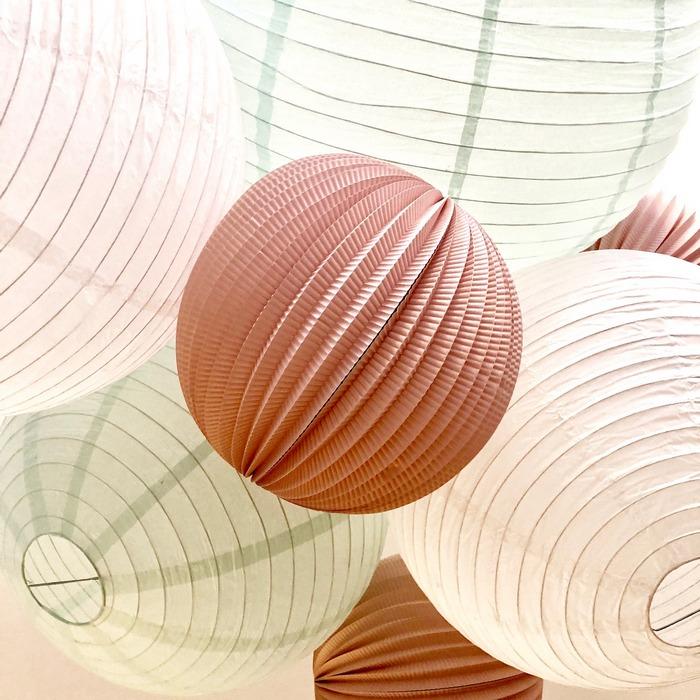 lampions pour un plafonnier en décoration de salon ou de chambre