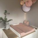 Chambre rose pastel et blanche