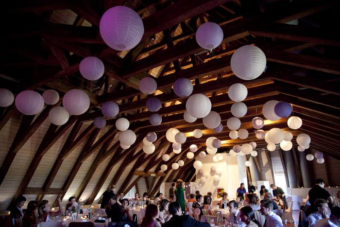 Plafond de mariage avec des lanternes chinoises Sous Le Lampion