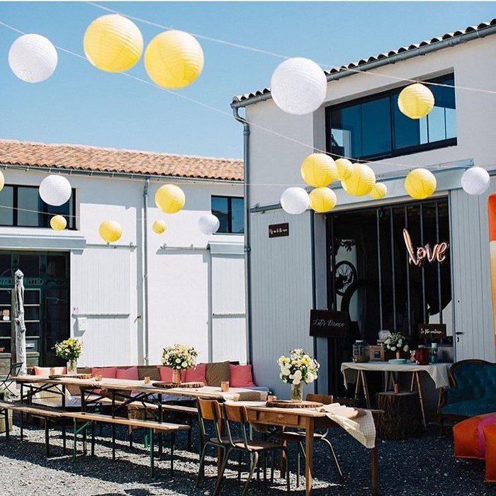 Mariage coloré jaune et blanc : de nombreuses inspirations pour décorer votre fête
