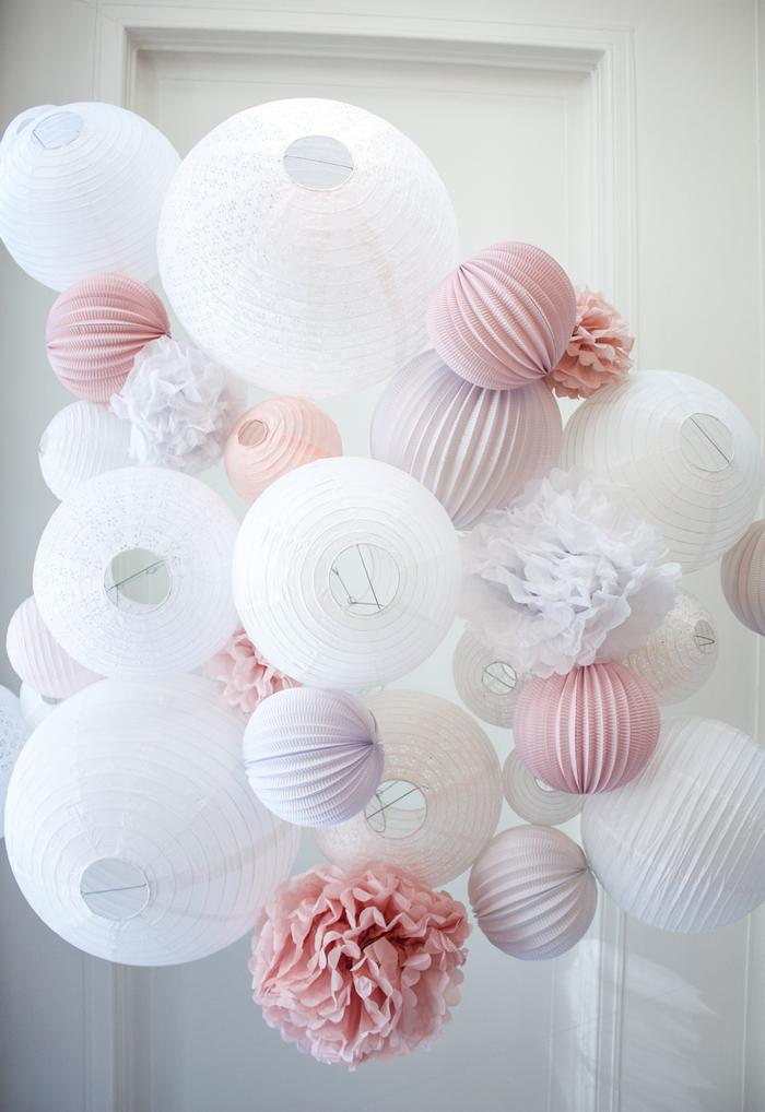 Ciel de lanternes chinoises Rose vintage et Blanc