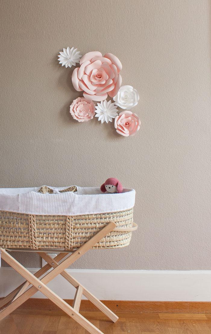 Fleurs en papier déco pour une chambre de fille