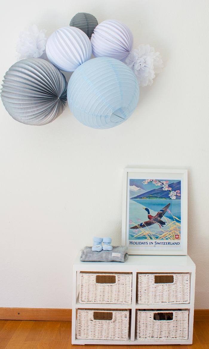 Decoration murale bleue, blanc et gris pour une chambre de petit garçon