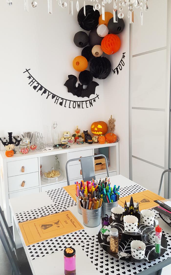 Decoration boules papier pour un goûter Halloween