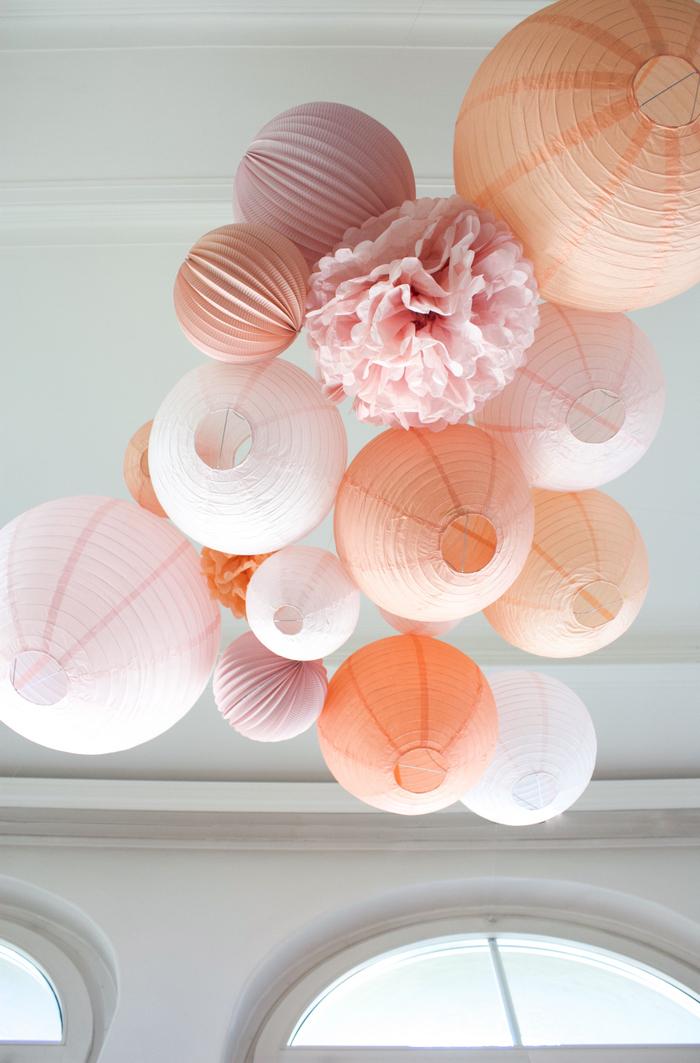 Lanternes mariage : une décoration dans les tons rose et pêche